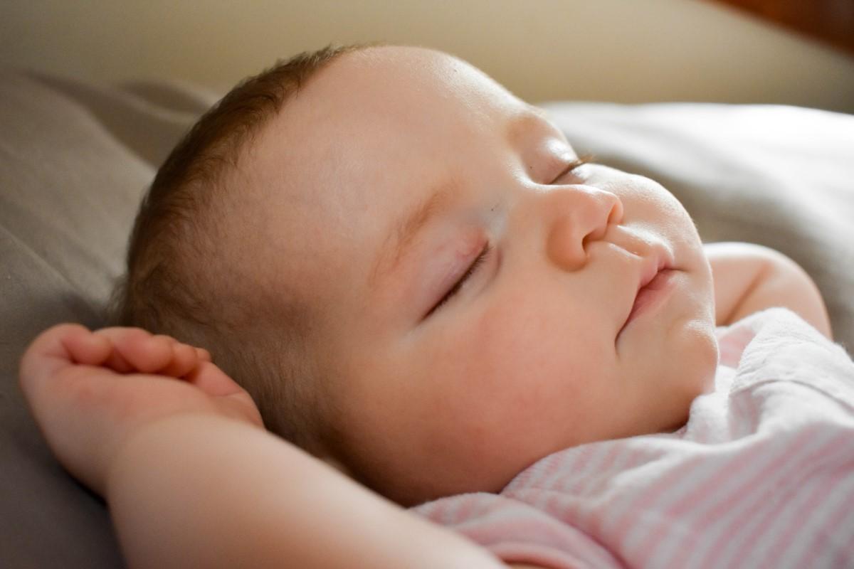 Safe Sleep with Breathe Easy Baby